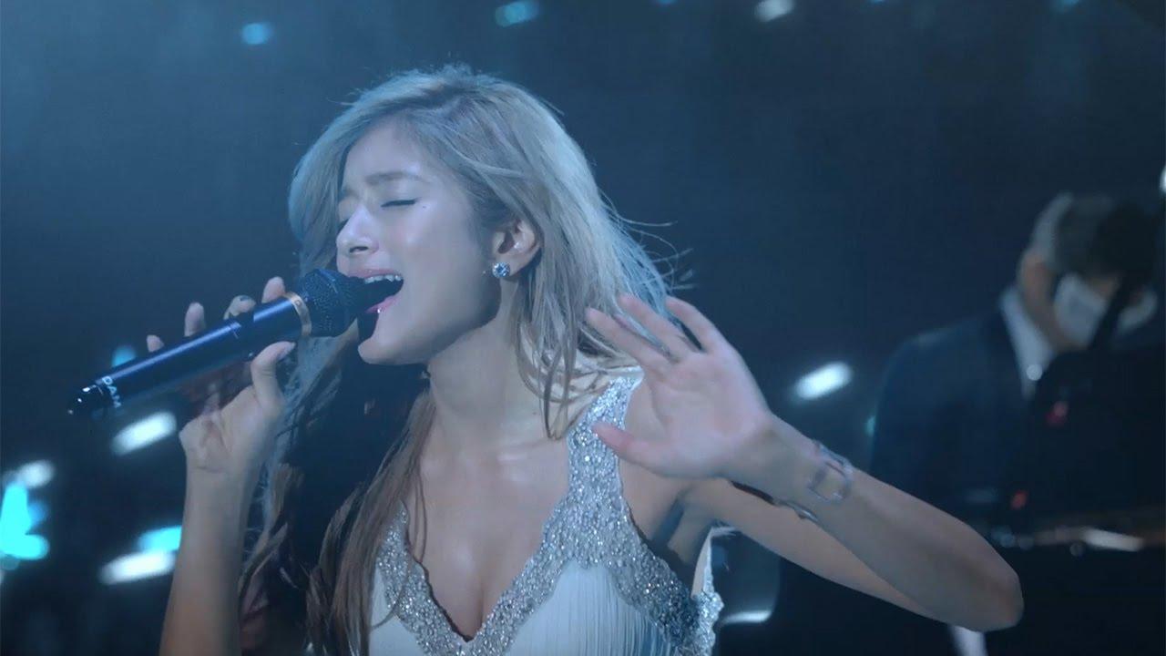 ローラ、大胆ドレスで「Story」熱唱!「LIVE DAM STADIUM」CM、メーキング、インタ