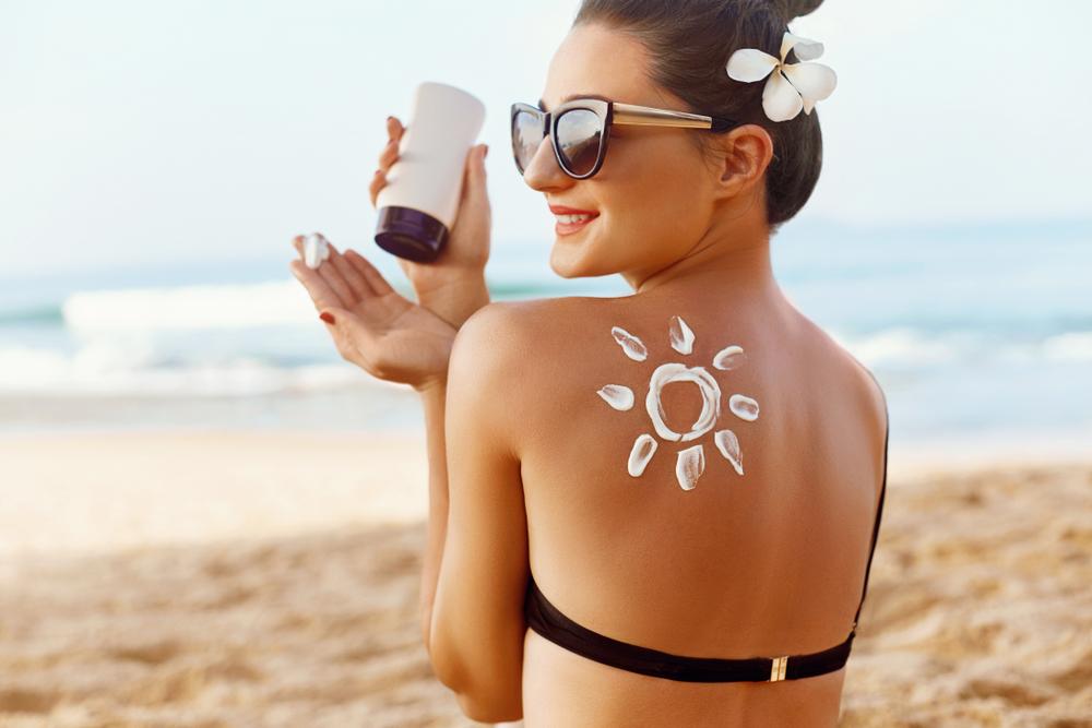 顔や腕などの日焼けは「すぐ冷やす」が絶対!日焼け後の正しいケア方法