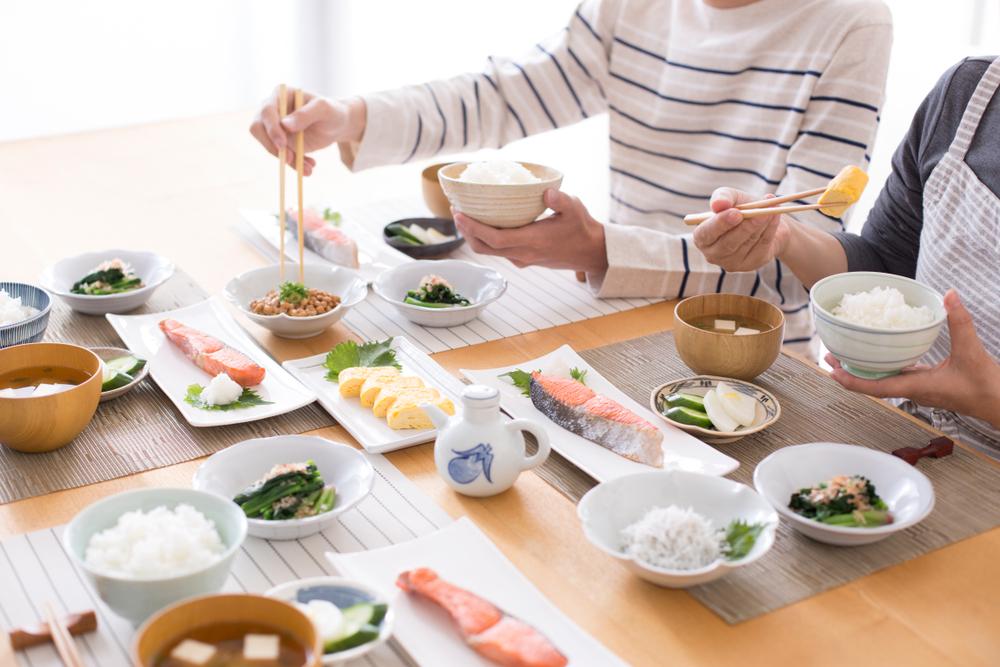 食欲の秋に注意!食べ過ぎを防ぐ3つのヒント